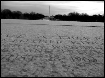 Le discours mythique de Martin Luther King a été prononcé devant la statut de Lincoln, comme le rappelle cette inscription au sol.